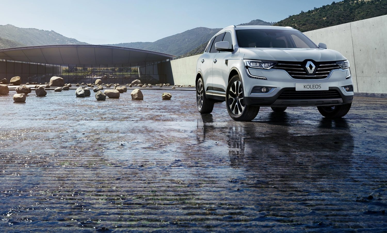 renault-koleos-hzg-ph1-beauty-shot-desktop.jpg.ximg.l_full_m.smart.jpg